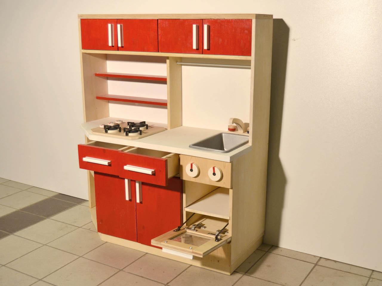 Andrea zanchetta cucina giocattolo atanor officina for Cucina giocattolo